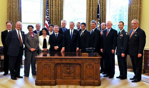 2007 Baldige awardee representatives in the Oval Office