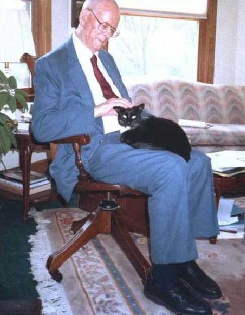 photo of W. Edwards Deming with a cat